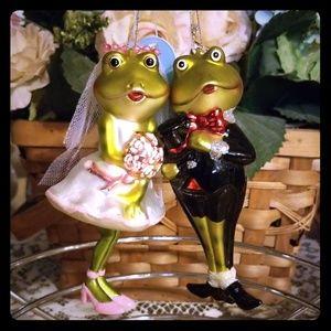 🆕️ Frog Bride and Groom Ornament Set